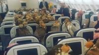 土豪!沙特王子带着他的80只鹰坐飞机
