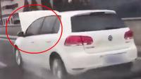 引擎盖翻起司机仍淡定开车 网友: 老司机带带我