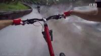 太爽骑车在萨拉热窝旱地雪橇赛道飞飙
