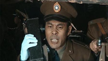 《亮剑》中楚云龙走哪都是一副白手套, 李云龙为什么不戴? 是害怕弄脏吗