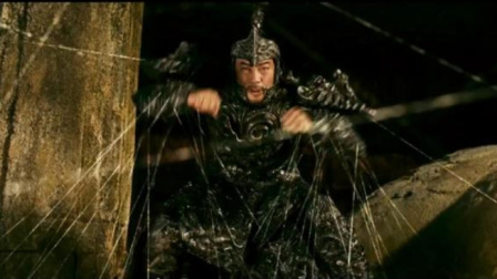 步惊云单挑绝无神,用剑气做成蜘蛛网,想一剑解决却被破解
