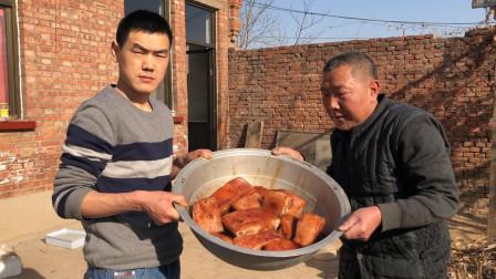买了12斤猪肉做梅菜扣肉,一盆子就出了13碗,100多块没白花