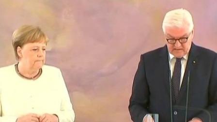德国总理默克尔再出现全身颤抖