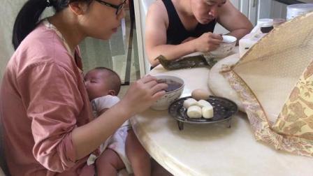 宝宝终于舒服了 爸爸坚持做五谷杂粮  妈妈直呼头发都黑了好多