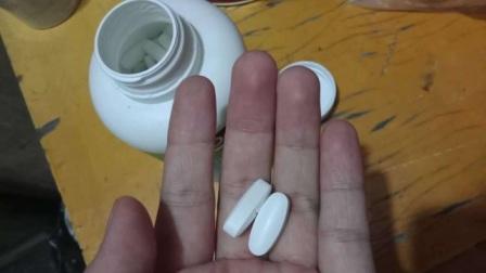 大家天天喝牛奶、吃钙片,为何还会缺钙?中年人补钙别犯两个错误
