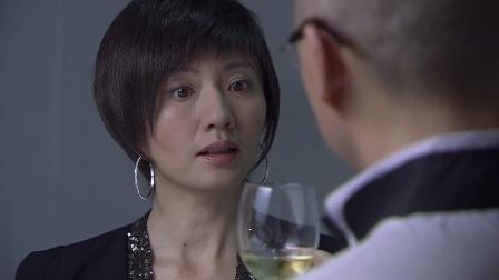 大叔请美女喝酒,怎料这玩意竟不是酒