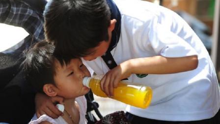 常给孩子喝碳酸饮料到底有多什么危害害?医生:4个坏处你很难想象!
