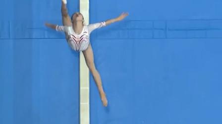女子体操:湖北运动员殷思思全程小心翼翼,结束动作紧凑有力