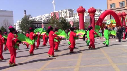 拜泉县委县政府领导观看秧歌舞