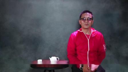 黄铮机场占座不成打骂小孩被拘,牛哥:他养尊处优惯了