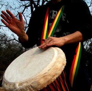 摇角非洲鼓乐