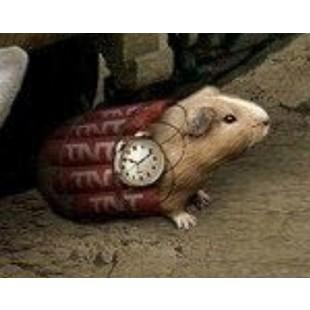 小老鼠背炸药包