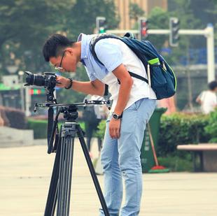 小黑想做摄影师