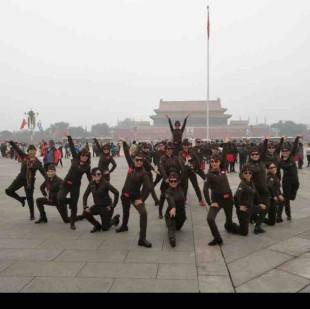 张玉龙水兵舞蹈团