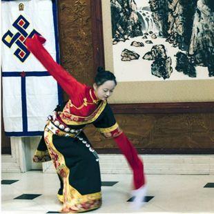 藏女---拉毛