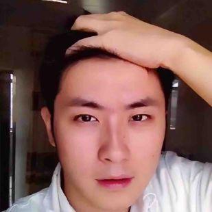 李白最帅了