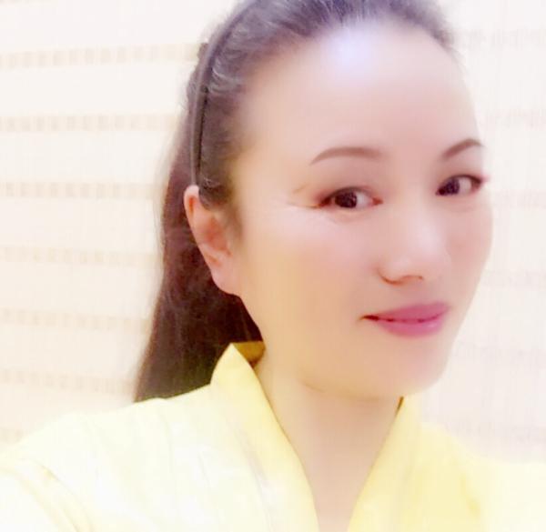 雪绒花广场舞队