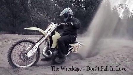 二沖摩托車的力量令你血脈僨張的感覺 - SUZUKI RM 250
