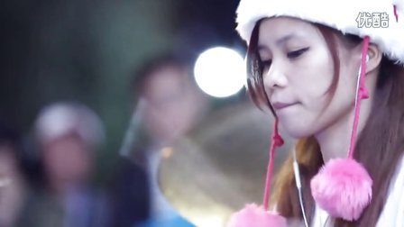 《小苹果》曼青 台北西门町 爵士鼓演奏筷子兄弟嗨歌 超清典藏