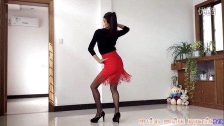 点击观看《新生代广场舞 想你啦DJ(附背面)柠檬编舞范范》