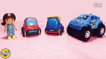 爱探险的朵拉带来的迷你小汽车,小卡车以及米奇电动汽车