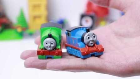 托马斯和他的朋友们 大号扭蛋 弹射式 托马斯 培西 试玩