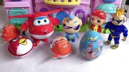 儿童视频 婴儿娃娃在铸造医生小企鹅pororo救护车玩具 儿童视频 动漫凯蒂猫 小企鹅啵乐乐 娃娃 芭比娃娃Baby doll kids