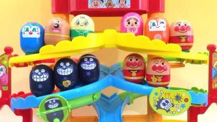 奥特曼精灵球惊喜玩具送给小猪佩奇 129