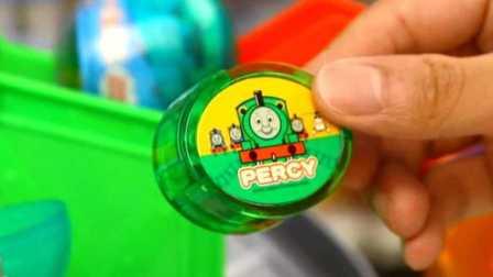 托马斯和他的朋友们 日本扭蛋 拆蛋 培西主题胶带贴画玩具试玩