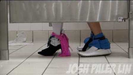恶搞!在厕所里OOXX被别人看见会发生什么