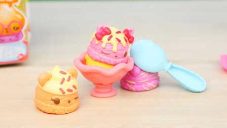 小猪佩奇玩具故事&游乐场插队 被小兔批评