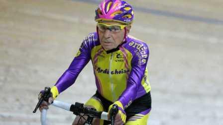 《美骑快讯》第73期 105岁老人一小时骑车20多公里 咱能活这么久么?
