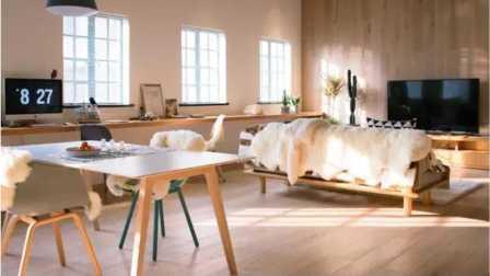 120平米的房子,客厅就占了80平!