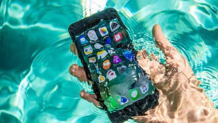 【科技微讯】厉害了,iPhone 8 的防水性能!