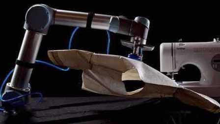 制造汽车的机器人,居然做起了针线活,缝起了衣服