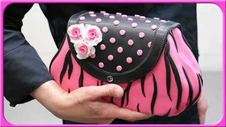 欢乐迪士尼创意蛋糕时刻来啦!手工制作玫瑰蛋糕皮包造型!熊出没小猪佩奇