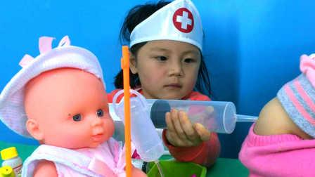 娃娃肚子疼,医生照顾宝宝打屁股针治病