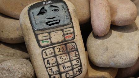 华强北那些亮瞎眼的手机,这些神机真是碉堡了!.mp4