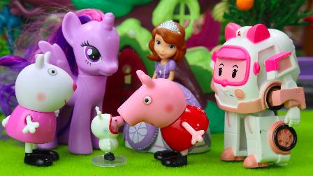 奇趣箱小马宝莉 第一季:小马宝莉邀请小猪佩奇和小公主苏菲亚参加女孩子聚会 02
