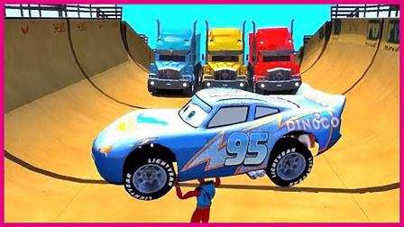 蜘蛛侠举车大力士 赛车总动员砸开障碍车 卡通动画 超级英雄