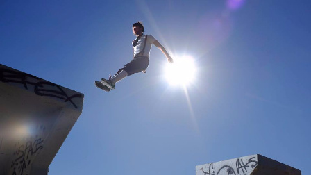 【洁癖男】美国资深跑酷运动员Amos Rendao作品《PARKOUR》