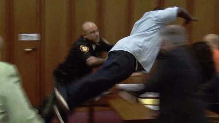 【TopTrending】7个被录像拍下的惊人的法庭瞬间 @柚子木字幕组