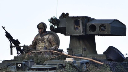 美军M1134反战车导弹车M1128机动火炮系统LAV-25装甲车-反坦克和射击训练