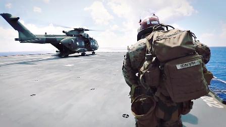 美国海军陆战队乘坐英国运输直升机进行突击作战训练
