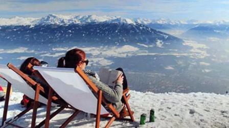一书一咖啡一躺椅! 滑雪场山顶徜徉如诗如画如痴如醉