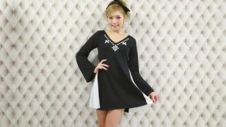 甜美范美女试穿黑色短裙 非常优雅这才叫美