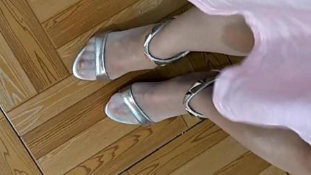 【任如意】主角(脚)一夏(下)秀秀网购的新凉鞋