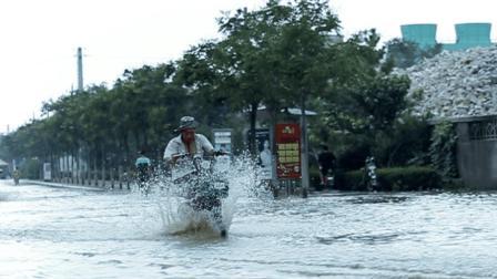 山东莱阳遭遇强暴雨袭击现场视频