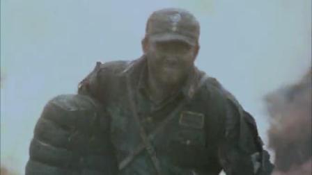 好猛的小哥就这样拿着炸药包炸坦克 敬你是条汉子
