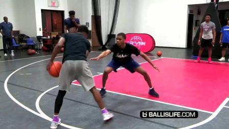 近距离拍摄美国高中生打篮球1V1单挑视频 看完我都跪了